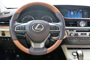 2017 Lexus ES 300h